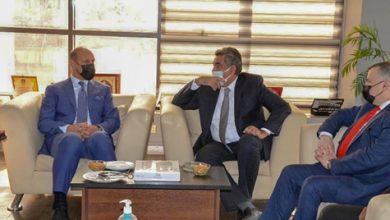 صورة وزير الرياضة العراقي في زيارة للاتحاد المصري لكرة القدم