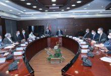 صورة وزير النقل يبحث مع السفير الفرنسي بالقاهرة التعاون في مجال انشاء خطوط سكك حديدية جديدة