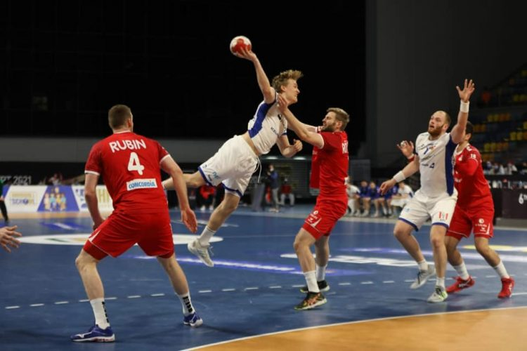استطاع منتخب سويسرا من الفوز على نظيره منتخب ايسلندا بنتيجة 20/18 ،ضمن منافسات الجولة الأولى للمجموعة الثالثة للدور الرئيسي لبطولة العالم لكرة اليد التي اجمعت المنتخبين على صالة دكتور حسن مصطفى.