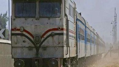 صورة السكة الحديد توضح حقيقة صعود  أدخنة من إحدي عربات القطار رقم 807 القادم من القاهرة للمنصورة