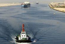 صورة حقيقة تصادم سفينتين بالمجري الملاحي لقناة السويس..رئيس الهيئة يعلق