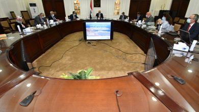 صورة وزير الإسكان يستعرض المخطط الاستراتيجي العام لمدينة شرم الشيخ