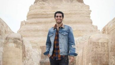 """صورة بطل فيلم علاء الدين """"مينا مسعود"""" ينشر فيديو قصير عن مغامرته داخل الهرم الأكبر"""