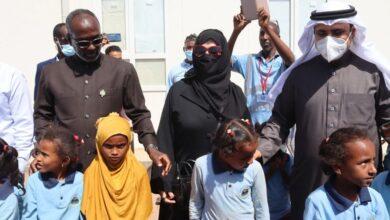صورة رئيس البرلمان العربي يزور الأشقاء اليمنيين بمخيم أبخ للاجئين بجمهورية جيبوتي