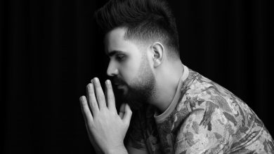 """صورة قصي حاتم متأثراً بشهداء ساحة الطيران: يطرح أغنيته الجديدة """"كافي"""""""