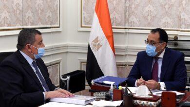 صورة رئيس الوزراء يتابع مع وزير الإعلام مشروع رقمنة الإعلام المصرى