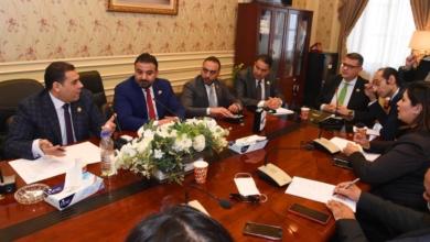صورة لجنة حقوق الانسان تعقد اجتماعاً لدراسة ما يدخل في اختصاص اللجنة