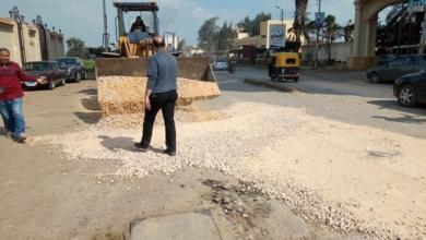 صورة استجابة لشكاوى الأهالي .. ترميم مدخل مدينة دسوق بصفة مؤقته لحين رصفة