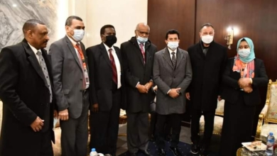 صورة وزير الرياضة يهنئ الأهلي بعد تغلبه علي المريخ السوداني بثلاثية بدوري أبطال إفريقيا