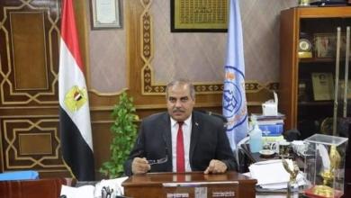 صورة رئيس جامعة الأزهر يتابع حالة الطالبة التي تعرضت لحادث بالإسكندرية.