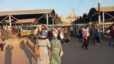 صورة دسوق..الدفع بـإتوبيسين و 30 سيارة سيرفس لمواجهة ازدحام طلاب الجامعة